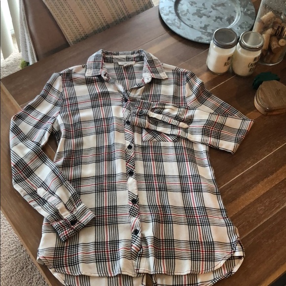 beachlunchlounge Tops - Plaid button down long sleeve top / shirt like new